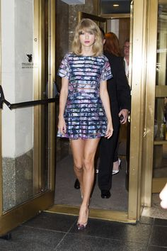 Taylor Swift leaving The Giver press conference <3 12.08.14