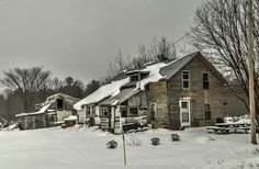 Abandoned Houses, Old Houses, Ghost Hunting, Urban Exploration, Haunted Places, Urban Decay, Dark Side, Rust, Cabin