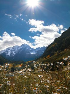 Maroon Bells, located near Aspen, Colorado in Autum.