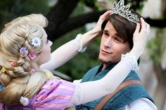 Flynn Rider and Rapunzel . He actually looks like Flynn Flynn Rider And Rapunzel, Rapunzel And Eugene, Tangled Rapunzel, Disney Tangled, Disney Magic, Tangled Cosplay, Disney Nerd, Disney Parks, Walt Disney