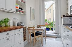 Alvhem Mäkleri och Interiör | För oss är det en livsstil att hitta hem. Hem, Kitchen Pantry, Scandinavian Design, Sweet Home, Dreams, Table, Inspiration, Furniture, Home Decor