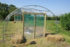 Polytunnel construction from a customer's perspective - Part 5: The Home Straight