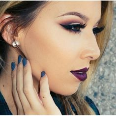 Fall plum makeup