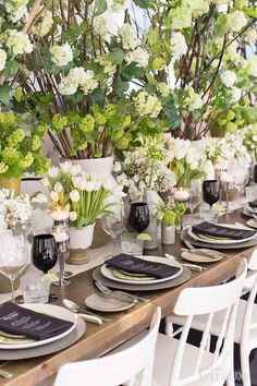 36 Amazing Wedding Centerpieces With Flowers 27 Amazing Wedding Centerpieces With Flowers ❤ wedding centerpieces white tulps black glass rachelaclingen ❤ See more: w. Chic Wedding, Floral Wedding, Wedding Events, Wedding Styles, Wedding Flowers, Wedding Bride, Green Wedding, Wedding Colors, Weddings