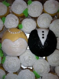 Bride and Groom Cupcakes for an Engagement gift!