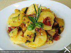 Illes warmer Zucchini-Kartoffelsalat - sommerlich leicht und einfach