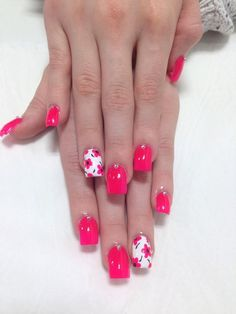 What Christmas manicure to choose for a festive mood - My Nails Fingernail Designs, Cute Nail Designs, Acrylic Nail Designs, Acrylic Nails, Nail Designs Spring, Fabulous Nails, Gorgeous Nails, Pretty Nails, Hot Pink Nails