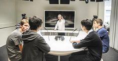 La 12e Semaine des médias à l'école bat son plein en Suisse romande. Reportage dans les studios de Léman Bleu, à Genève, qui a accueilli une classe de 11e année du Cycle d'orientation de Sécheron
