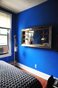 The best paint colors: 10 Valspar Bold Brights Peek-a-Boo Blue … - DY Home Decoration Bright Paint Colors, Valspar Paint Colors, Valspar Blue, Blue Bedroom Paint, Bedroom Decor, Indigo Bedroom, Blue Painted Walls, Royal Blue Walls, Paint Walls