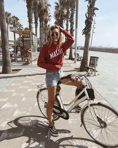 Mpin - 10 Cute Surprises Guys Should Do For Their Girlfriends - Boho Summer Outfits, Travel Outfit Summer, Travel Outfits, Summer Pictures, Travel Pictures, Brandy Melville, Barcelona Outfit, Kendall, Amsterdam
