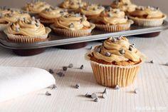 Ricettario muffin e cupcake - eBook PDF gratuito Italian Cookies, Mini Cupcakes, Yummy Cakes, Italian Recipes, Real Food Recipes, Donuts, Muffins, Deserts, Pudding