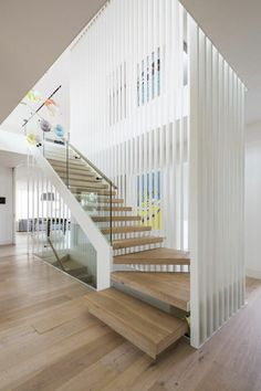 Id Atilde Copy E D Escalier Moderne En Bois Escalier Interior Stairs Interior Stairs, Interior Architecture, Escalier Design, Living Room Wood Floor, Dining Room, Stair Handrail, Wood Balusters, Railings, Stair Lighting