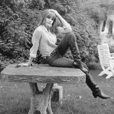 Catherine Deneuve, Ethereal Beauty, John Kennedy, Vintage Boots, French Actress, French Girls, Alter, Old Hollywood, Sexy Women