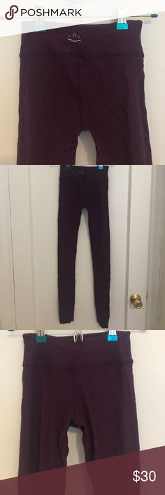 Purple Quilted Beyond Yoga Leggings Only worn a few times! Quilted, dark purple, mid waist, leggings by Beyond Yoga. Size XS and they fit very snug and tight! Beyond Yoga Pants Leggings