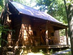Cabin to rent near Asheville, North Carolina. Camping In North Carolina, South Carolina, California Beach Camping, Log Cabin Homes, Log Cabins, Log Home Decorating, Peaceful Places, Cabins And Cottages, Large Homes