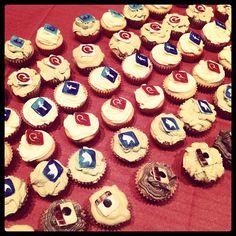 #SMM #socialmediamarketing #socialmediamuffin #socialminimuffin #MHB #makehappybirthdaytosimo #cupcakes @simone del bianco
