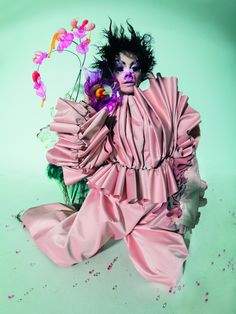Tim Walker: Wonderful Things: Inside the Long-Awaited V&A Exhibition Tim Walker Photography, Fashion Portfolio Layout, Microscopic Photography, A Level Art, The V&a, Great Photographers, S Pic, Wonderful Things, Creative Photography