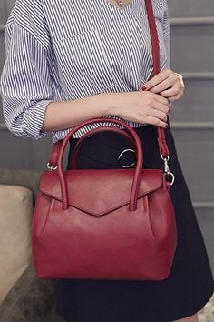 purses and handbags leather Soft Leather Handbags, Leather Crossbody Bag, Pu Leather, Vintage Leather, Travel Messenger Bag, Canvas Tote Bags, Purses And Handbags, Hand Bags, Gift Ideas
