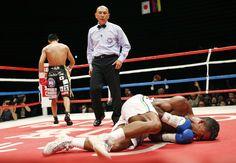 Con un knockout en el quinto round, Takashi Uchiyama venció al venezolano Jaider Parra que peleaba por el cinturón de campeón peso pluma de la Asociación Mundial del Boxeo en Tokio, Japón.  FOTO: AP