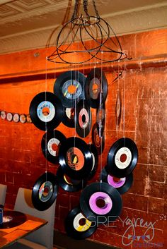 Clutter-Free Classroom: Rock and Roll / Rock n Roll Themed Classroom {Ideas, Photos, Tips, and More} 50s Theme Parties, 80s Theme, Party Themes, Party Ideas, 1970s Party Theme, Hippie Party, Rockstar Party, Rock And Roll, The Rock
