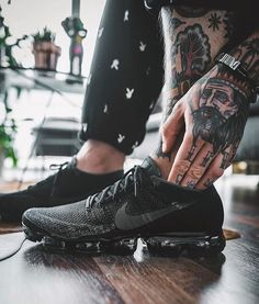Nike Air Vapormax Flyknit: Black