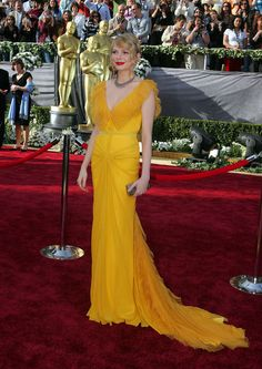 Michelle Williams in Vera Wang, 2006  Disclaimer:  I love the color.  Not a huge fan of the bodice design.