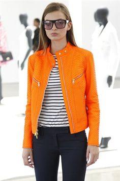 ORANGE jacket+navy