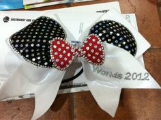 Minnie Mouse bow. This would be so fun for California!