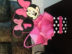 Minnie Mouse Party Decorations- purse would make a cute invitation
