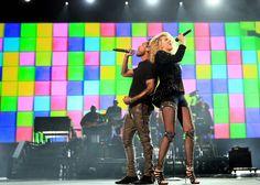 A&E TRANSMITE EN EXCLUSIVA A NIVEL MUNDIAL EL CONCIERTO 'Shining a Light: A Concert for Progress on Race in America' | El ExtraMedios