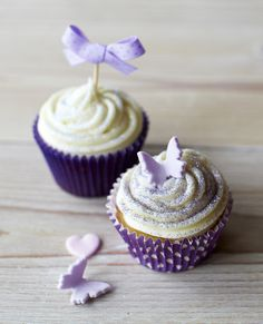 Cute idea for baby shower. Pink or blue bows Lavender Baby Showers, Baby Shower Purple, Purple Baby, Fun Cupcakes, Cupcake Cookies, Elegant Cupcakes, Butterfly Cupcakes, Butterfly Party, Butterfly Birthday