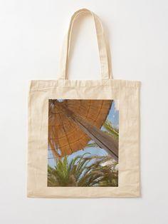 """Sonnenschirm, blauer Himmel und Palmen"" Stofftasche von archmar   Redbubble Burlap, Masks, Reusable Tote Bags, My Favorite Things, Design, Cinch Bag, Heaven, Clock, Bags"