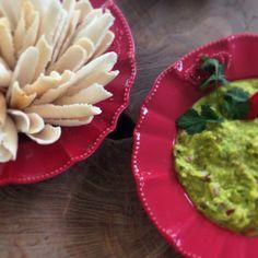 Guacamole + Beiju de Tapioca by Maricota