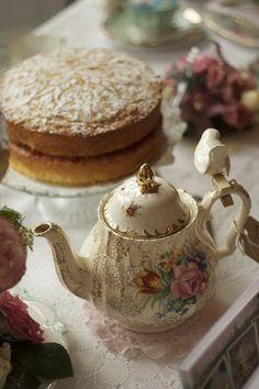 Tea and Cake   by vintageandcake.co.uk