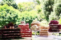 Naked Cakes - Bolos de Casamento. #casamento #bolodosnoivos #nakedcake #caseiro #rústico #decoração #flores #frutas