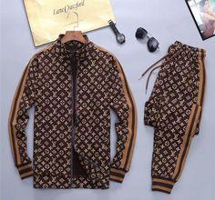Ropa Louis Vuitton, Louis Vuitton Shirts, Louis Vuitton Designer, Louis Vuitton Tracksuit, Track Suit Men, Suit Fashion, Hoodie Jacket, Jacket Men, Prada