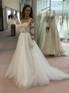 9390bc0f4cd8 22 najlepších obrázkov z nástenky Svadobná výstava European Bridal ...