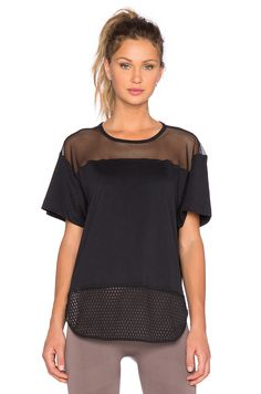 adidas by Stella McCartney Mesh Tee em Preto
