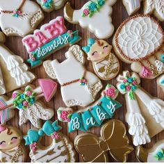 @sugarcrushcookiessarah did an amazing job with these set... @thesweetdesignsshoppe used in the set are (bunting four spaces, baby girl swaddle, and BABAY plaque) #sharethecookie #thesweetdesignsshoppe #3dprinting #3dcookiecutters