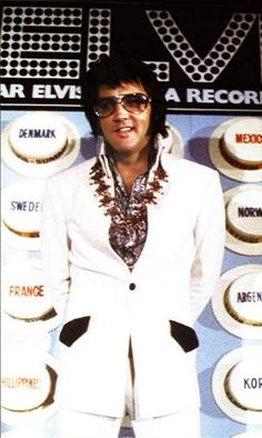 Elvis in Hawaii ...the whole world was blessed on that day to hear this man.