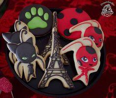 Ladybug Miraculous cookies / droomkoekjes / Eiffel Tower Ladybug Cookies, Cat Cookies, Happy Birthday Cakes, 4th Birthday Parties, Cumpleaños Lady Bug, Tikki And Plagg, Miraculous Ladybug Party, Bug Cake, Meraculous Ladybug