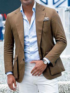 白パンツ攻略法=ブラウン系JK+サックスのシャツで、こなれた上品を演出!