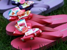 Kids will flip over these customized flip flops. Fun for a summertime birthday party giveaway. http://www.ivillage.com/best-diy-kids-birthday-party-favor-ideas/6-a-515641#