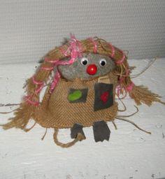 Romuromantiikkaa: Kivipeikko ja betoniruusut! Fall Arts And Crafts, Autumn Art, Christmas Ornaments, Holiday Decor, Home Decor, Decoration Home, Room Decor, Christmas Jewelry, Christmas Baubles