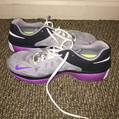 Nike sneakers Only worn once to try them on! In really good shape, Size women's 8.5 Nike Shoes Sneakers
