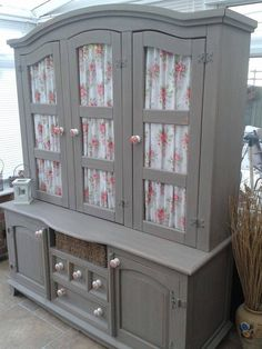 Sharon Ward Re Griffiths Has Produced This Lovely Dresser In Annie Sloan French Linen