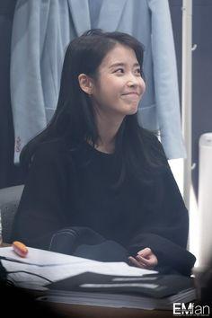 """Her natural self is the cutest! Korean Age, Korean Girl, Girl Photo Poses, Girl Photos, Mamamoo, Korean Actresses, Actors & Actresses, Snsd, Kim Chungha"