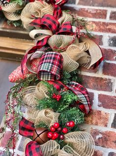 Christmas Lanterns, Outdoor Christmas Decorations, Christmas Centerpieces, Rustic Christmas, Christmas Wreaths, Christmas Crafts, Plaid Christmas, Outdoor Garland, Christmas Stage