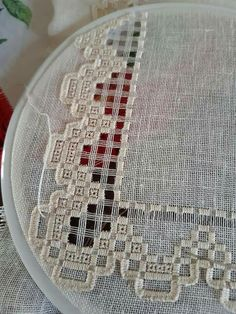 Hardanger Embroidery, Embroidery Stitches, Embroidery Designs, Bargello, Needlepoint, Needlework, Knit Crochet, Cross Stitch, Crafty