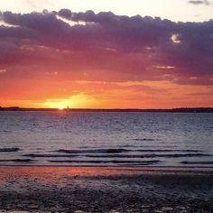 Never gets old #sunset http://ift.tt/1NlLhvg